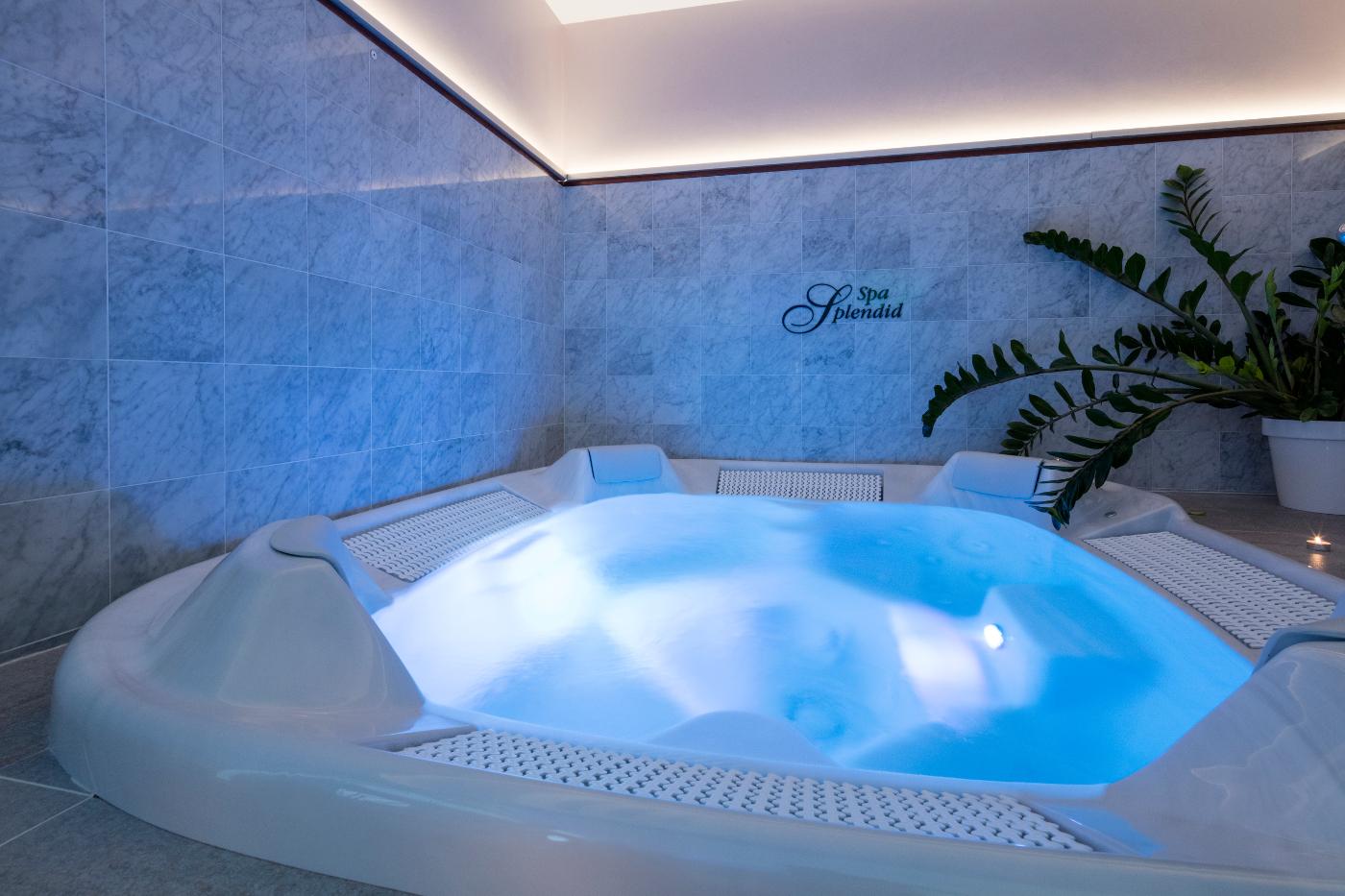 transparenta trosor na thai massage